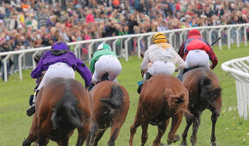 Spring National Hunt Meeting at Fakenham 2021